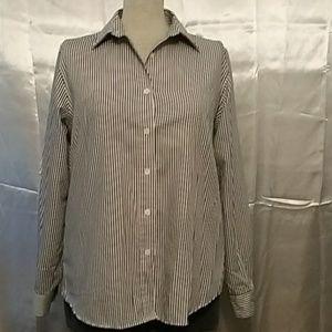 Foxcroft blouse size 8